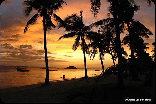 Malapascua offers volunteer picture postcard sunsets