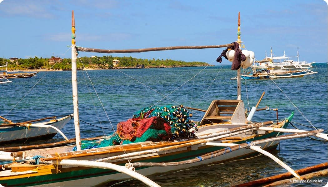 Subsistence level fishing is a focus of marine conservation in the Philippines